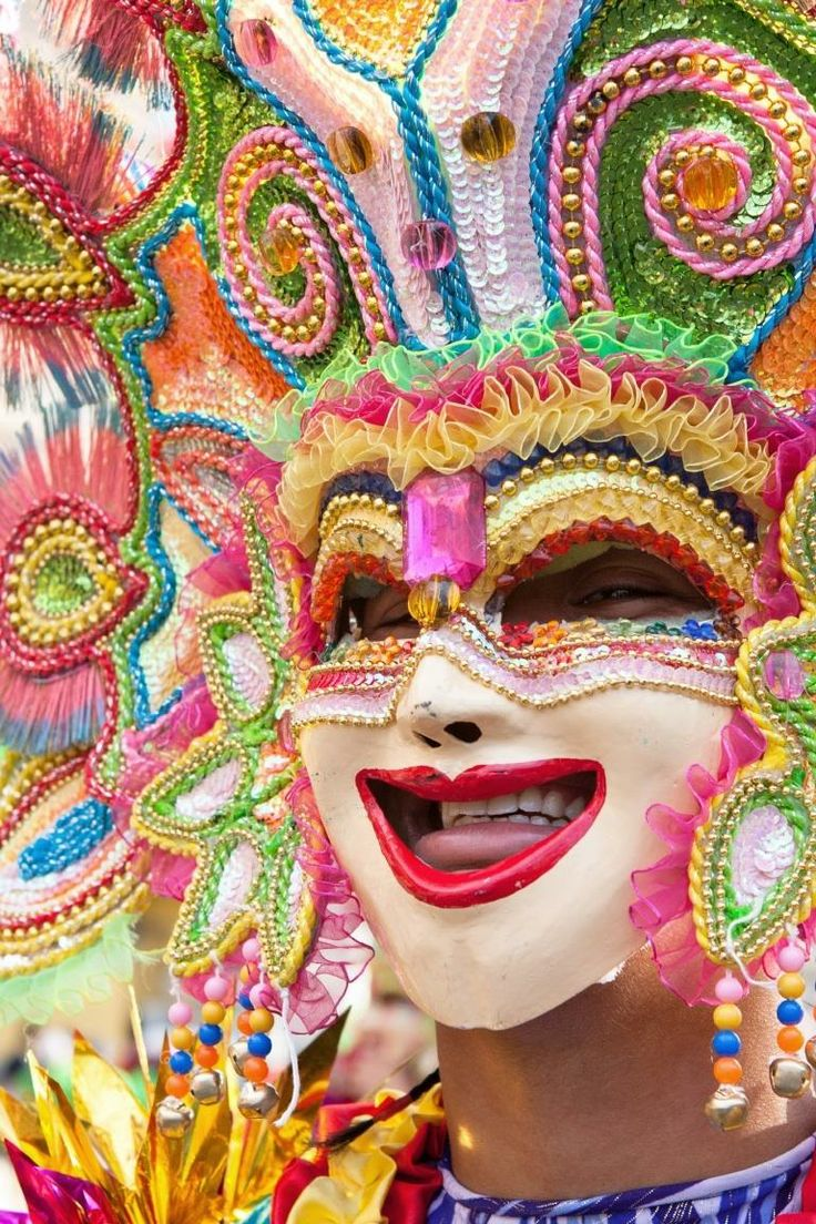 The Colorful Smiles of MassKara Festival par Jeremy Villasis