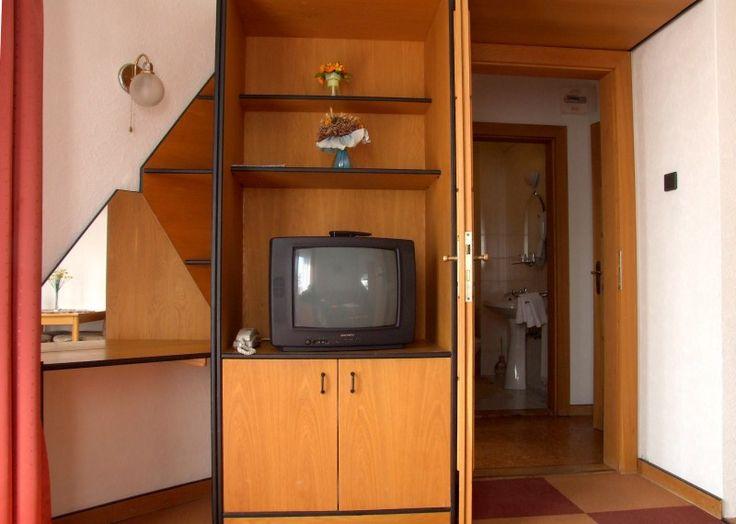 Apartmanjainkban TV, minibár, fürdőszoba és főzési lehetőséggel is rendelkezik.  http://www.dominikahotel.hu/?page_id=27&lang=hu