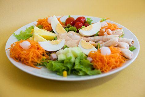 Salada de Camarão com Abacaxi