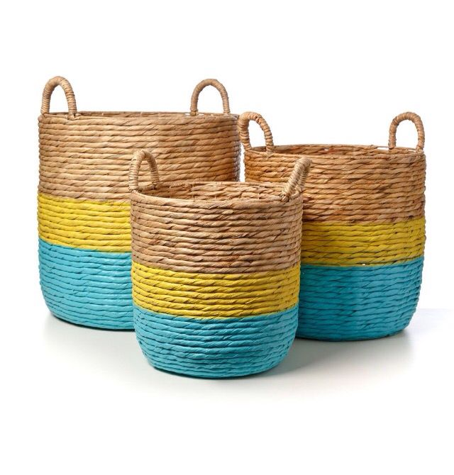 Toys, dirty clothes, put them in the basket! A fun and stylish storage option for kids, the Nash Woven baskets feature Aqua bright coloured stripes that bring life to a traditional basket.