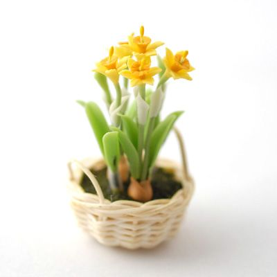 Minimum World D1122 - Daffodils in Basket