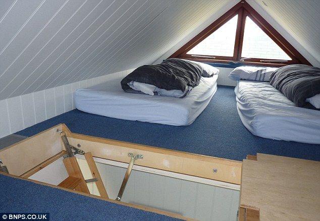 Britain beach house interior 2
