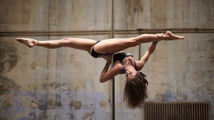 pole dance - http://life-reactor.com/wp_quiz/pole-dance/