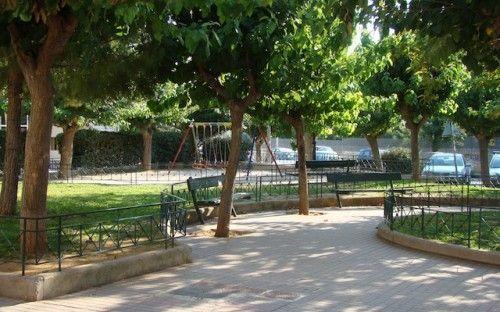 Summer time at New Melandias square, Ano Petralona. http://alternatrips.gr/en/central-greece/athens/melandias-square-petralona  #central_greece#athens #melandias_square #petralona #Greece