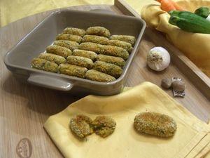 Le polpette di tonno e verdure sono ideali per far apprezzare le verdure ai bambini. Tutto è incorporato dentro un gustoso impasto arricchito con il tonno.