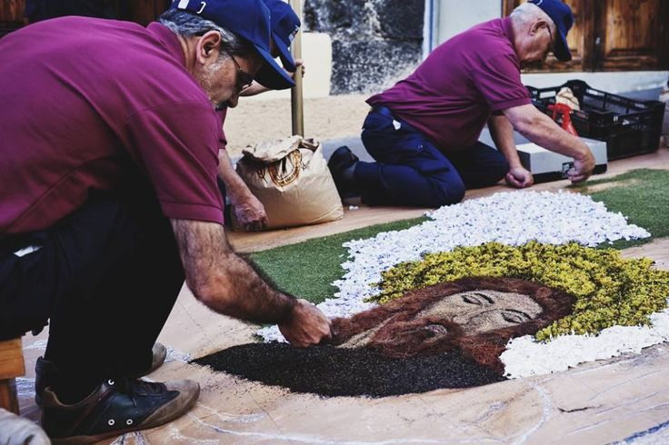 Alfombras del Corpus Christi  en La Orotava, Tenerife, Islas Canarias / Corpus Cristi carpets in La Orotava, Tenerife, Canary Islands / Fronleichnamsteppiche in La Orotava, Teneriffa, Kanarische Inseln #VisitTenerife