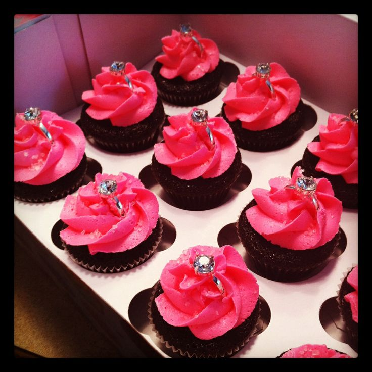 Bachlorette cupcakes with rings #Infinityevents #inspirationboard