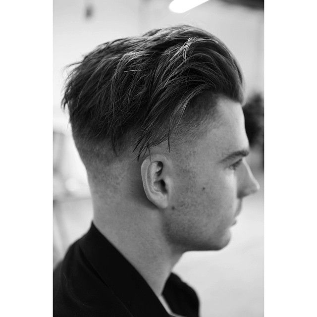 thomasdavenport:  Any photo that isn't of Kim Kardashian at the moment is fine by me. Another of @morrismotley perfecting a skin fade.