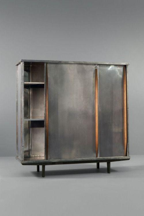 Alluminio e armadio quercia da Jean Prouvé, ca.1946. / lifeonsundays