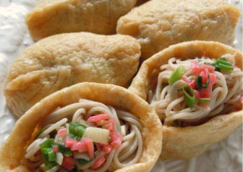 【冷たい麺が食べたい!】 人気の「オープンいなり」は蕎麦でも作れた!