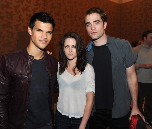 Kristen Stewart and Robert Pattinson latest news: Press junkets and interviews (video)