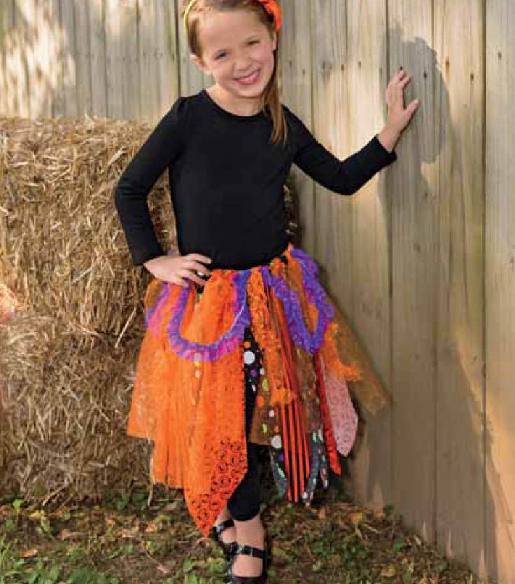 Need a tutu for a Halloween costume but don't sew?  This no-sew tutu is perfect, even for beginners!