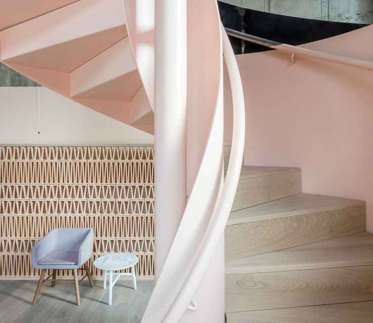 <p>Recently opened in East London, Leman Locke was designed by Grzywinski + Pons. This Scandinavian style 'aparthotel' presents 168 rooms, where every single detail has been thought of by the two architects. From its pink pastel comforting hues and sour yellow touches, the establishment immerses travelers in its neighborhood's culture through sharing spaces, giving very…</p>