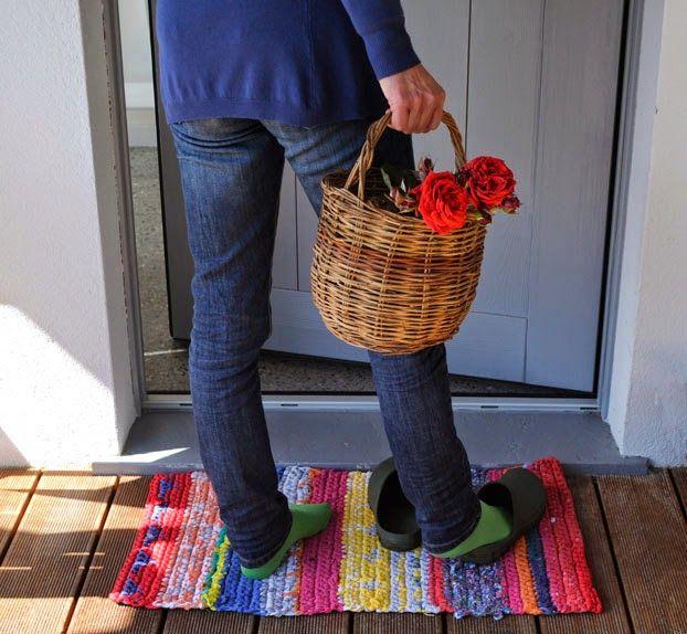 Con un filo: Un tappeto per i giorni di pioggia