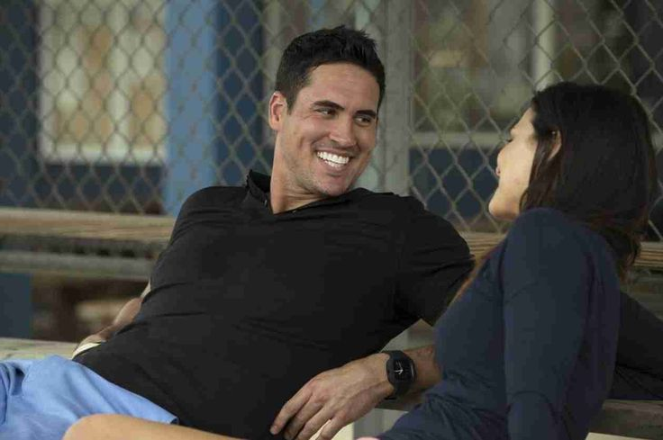 Josh Murray and Andi Dorfman Laugh on His Hometown Date in Episode 8