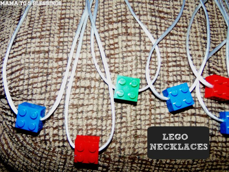 Lego Necklace Tutorial http://mamato5blessings.com/2013/08/lego-necklace-tutorial/