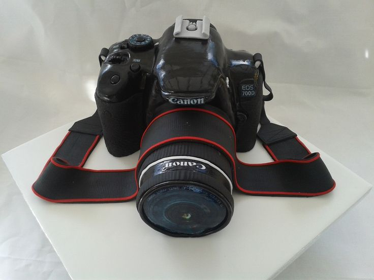 Canon  700D cake made by Lara's Theme Cakes