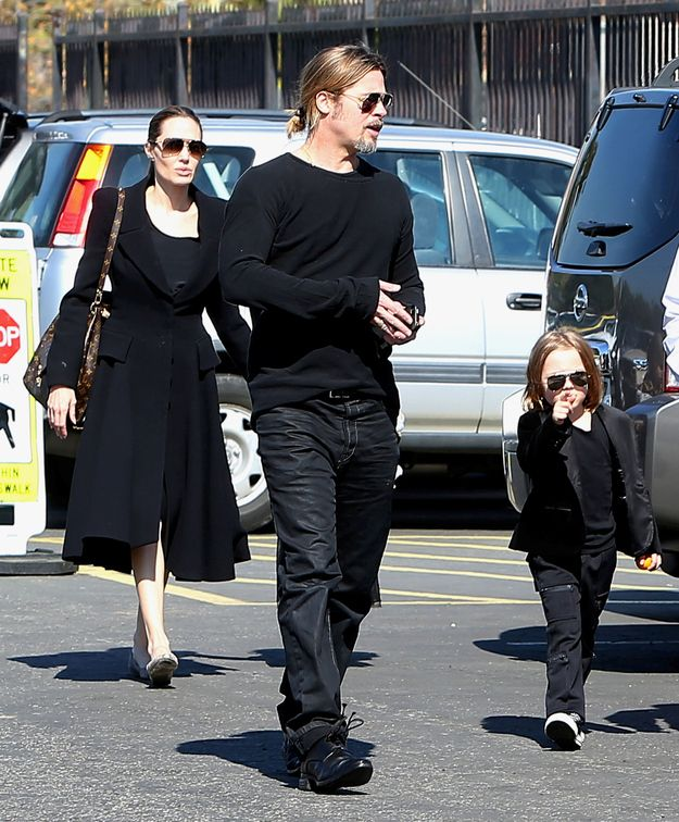 """Brad Pitt's Son Is An Exact Replica Of Him""  Brad, Angie, and their 4-year-old twins, Vivienne and Knox, were out visiting the Museum of Natural History in L.A. last week. The entire family wore black and OMG Knox IS Brad Pitt, just tinier."