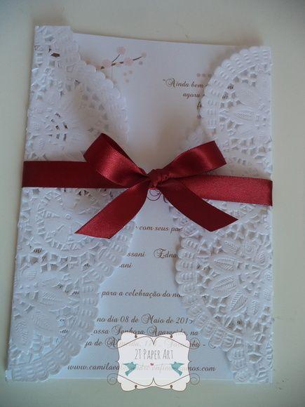 Convite de casamento com parte interna confeccionada em papel Opaline ou off set 180 e envelope de papel rendado (Doilies). Arte com love birds, fita de cetim nº 3 vinho. A arte e cores interna e da fita podem ser alterados. R$ 3,00