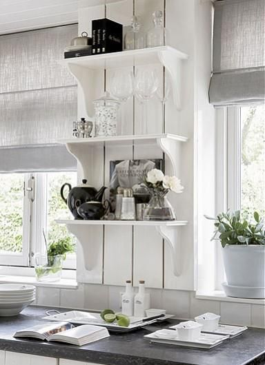 Riviera Maison Keuken Pot : White Country Cottage Kitchen