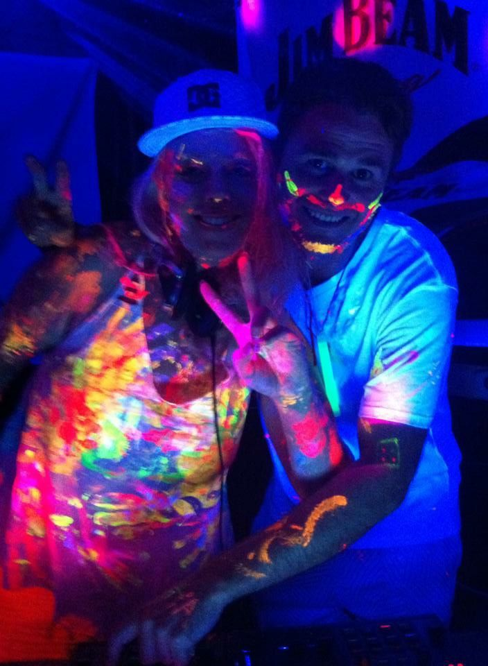 HOW TO HOST A SUCCESSFUL AND FUN HOME GLOW PAINT PARTY by http://glowpaint.com.au #GlowPaint #BlackLight #partyIdeas #UVReactive #Neon #Australia #Queensland #Rave #DanceParty #GoodVibes #PLUR