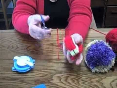 Pom-Pom Maker Demonstration - YouTube