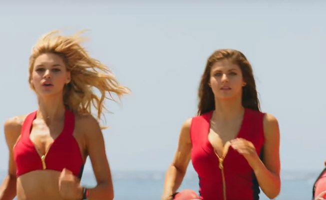 The New Trailer For The Reboot Of 'Baywatch' Is Out And Hotdamn Is It Sexy And Action-Packed Look, we all watched 'Baywatch' when we were kids, let's not kid ourselves. Those images of Pamela Anderson running in slow motion have invaded many a teenagers dreams, if you know what I mean. It was also one of the first international TV shows that we all watched when we were much younger.