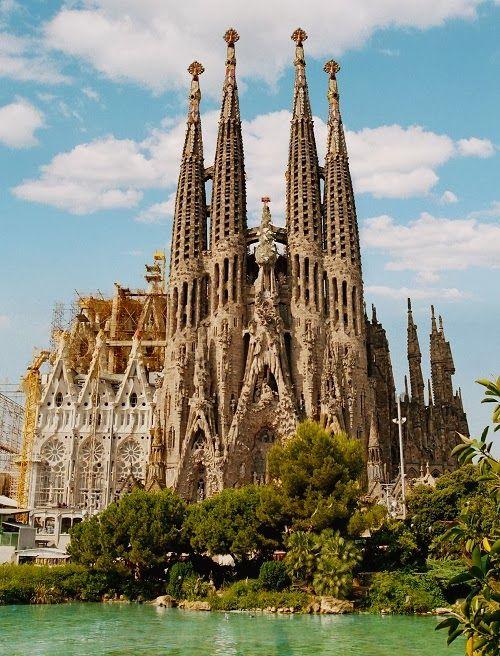 Sagrada FamíliaFavorite Places, Travel, The Sacred, Barcelona Sagrada, Familia Cathedral, Barcelona Spain, Antoni Gaudí, Holy Family