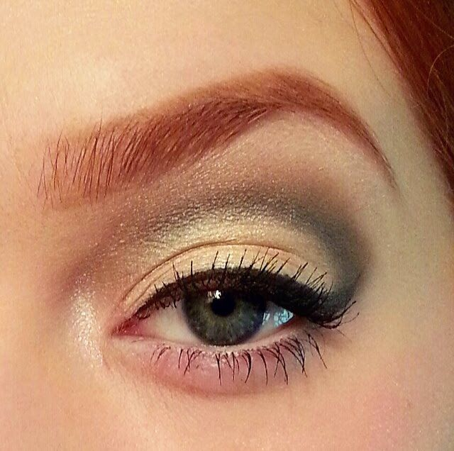 Into a more subtle #glamour? Stephanie went with clean cut with a neutral #smokeyeye