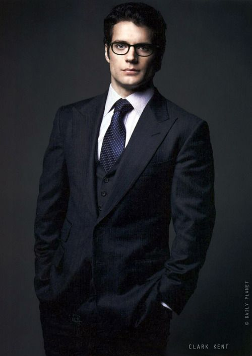 Henry Cavill in Man Of Steel was already a 10, but with Clark Kent glasses on? A solid 15. Wow.
