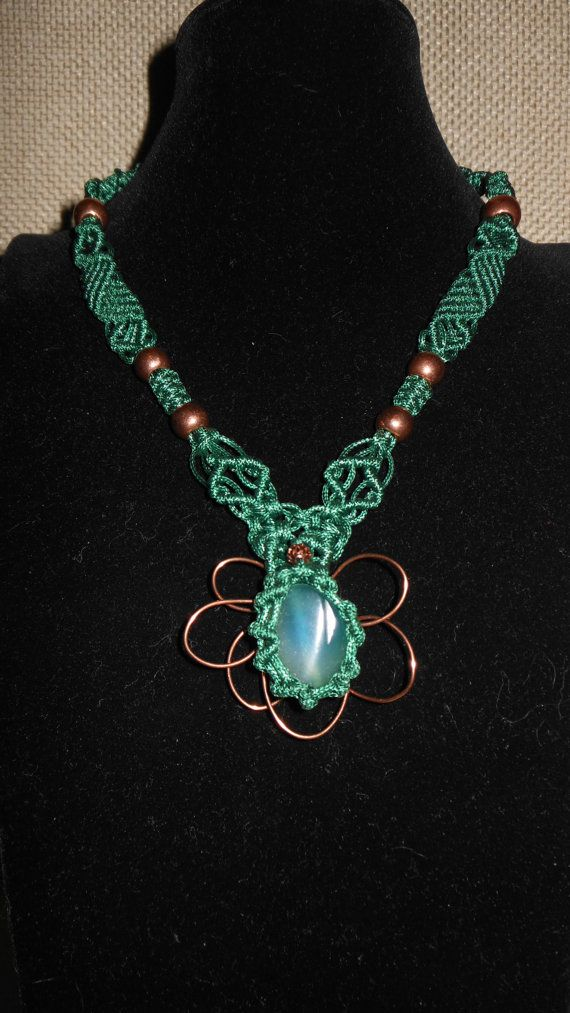 Handmade macramè necklance green with copper by AngelaMacrame, €90.00
