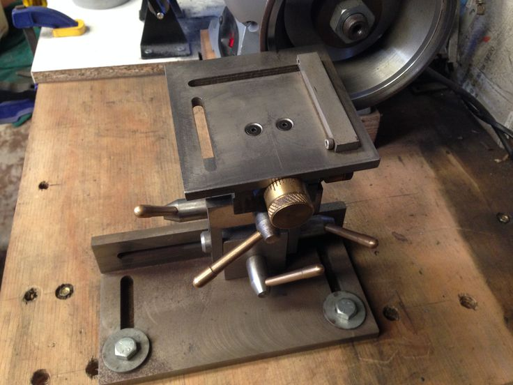 Tool rest for a bench grinder.  Designed by Harold Hall.  (slightly modified).