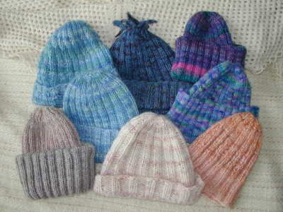 Simple ribbed beanie pattern. Easy knitting project. ellaborate info on variations and sizing on the basic hat pattern.