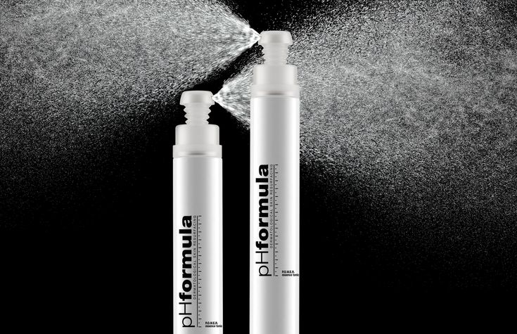 Environmental factors – extreme temperatures, pollution, cigarette smoke, dirt and dust – all combine to assault your skin on a daily basis, breaking down its defenses and drying it out. pHformula's innovative P.O.W.E.R essence tonic  is designed specifically to protect your skin against pollution and contains ingredients that work quickly to protect the skin and leave it feeling firm, hydrated and refreshed. #antiaging #hydration #skincareroutine