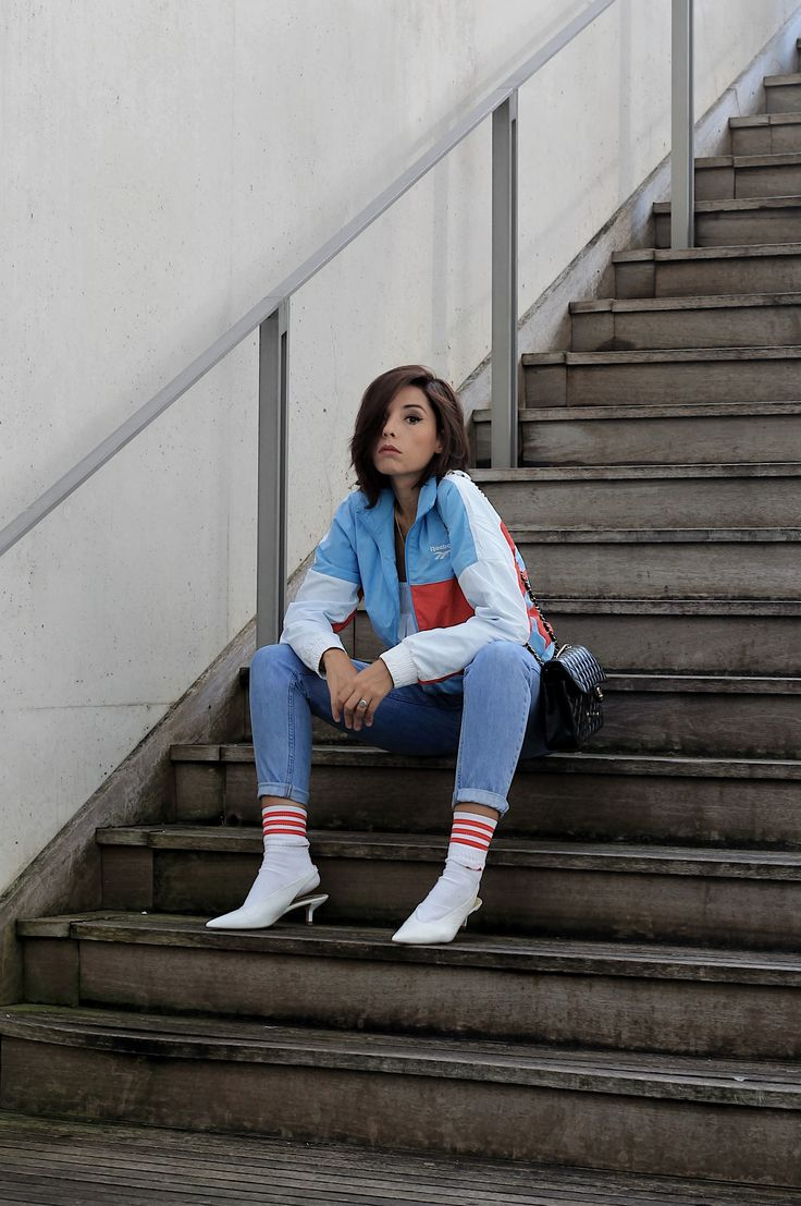 Cosa si cerca sui social network, come vestirsi sporty chic, theladycracy.it, elisa bellino, fashion blog 2017, fashion blogger italia 2017, blogger moda 2017, reebok felpe inverno 2017, reebok felpe stile anni 90, zara scarpe autunno inverno 2017, chanel 2.55 timeless, come si mettono le calze sportive con i tacchi, blogger moda più seguite 2017, fashion blogger famose 2017, outfit moda autunno 2017, reebok sweater fall 2017, chanel 2.55 borsa originale, come mi vesto a settembre 2017