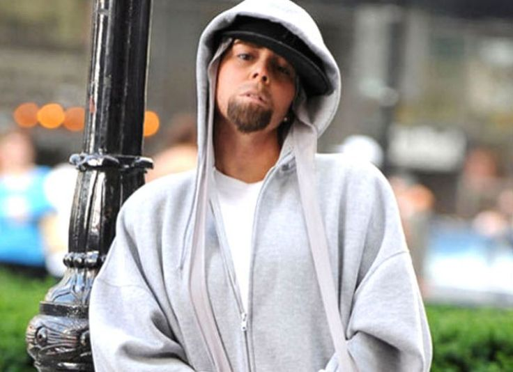 """Mariah Carey as Eminem in """"Obsessed"""" video   Crossdressing ..."""