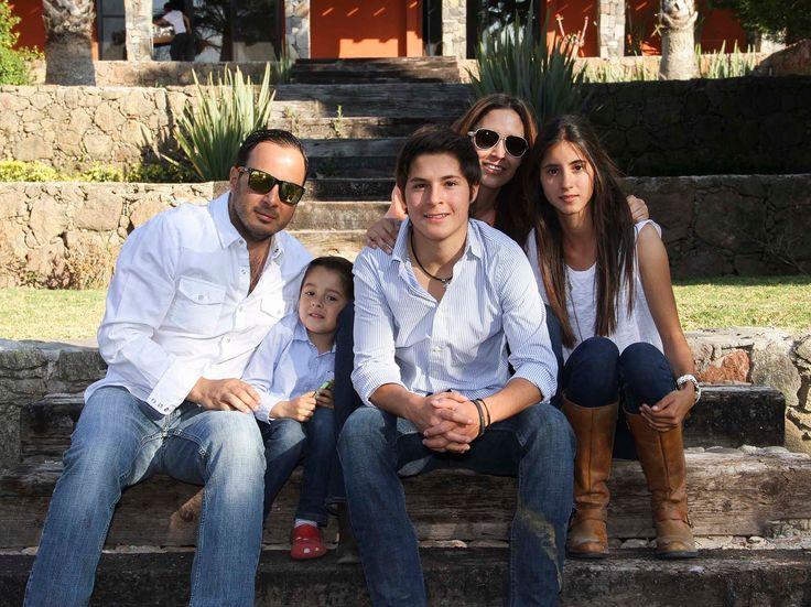 Alejandro Stevens cumple 16