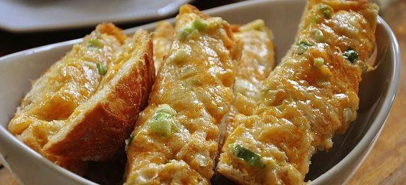 Σκορδόψωμο με τυρί