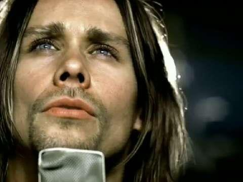 Myles Kennedy from Alter Bridge :) I can barely breathe when I look at this picture. From the video Broken Wings