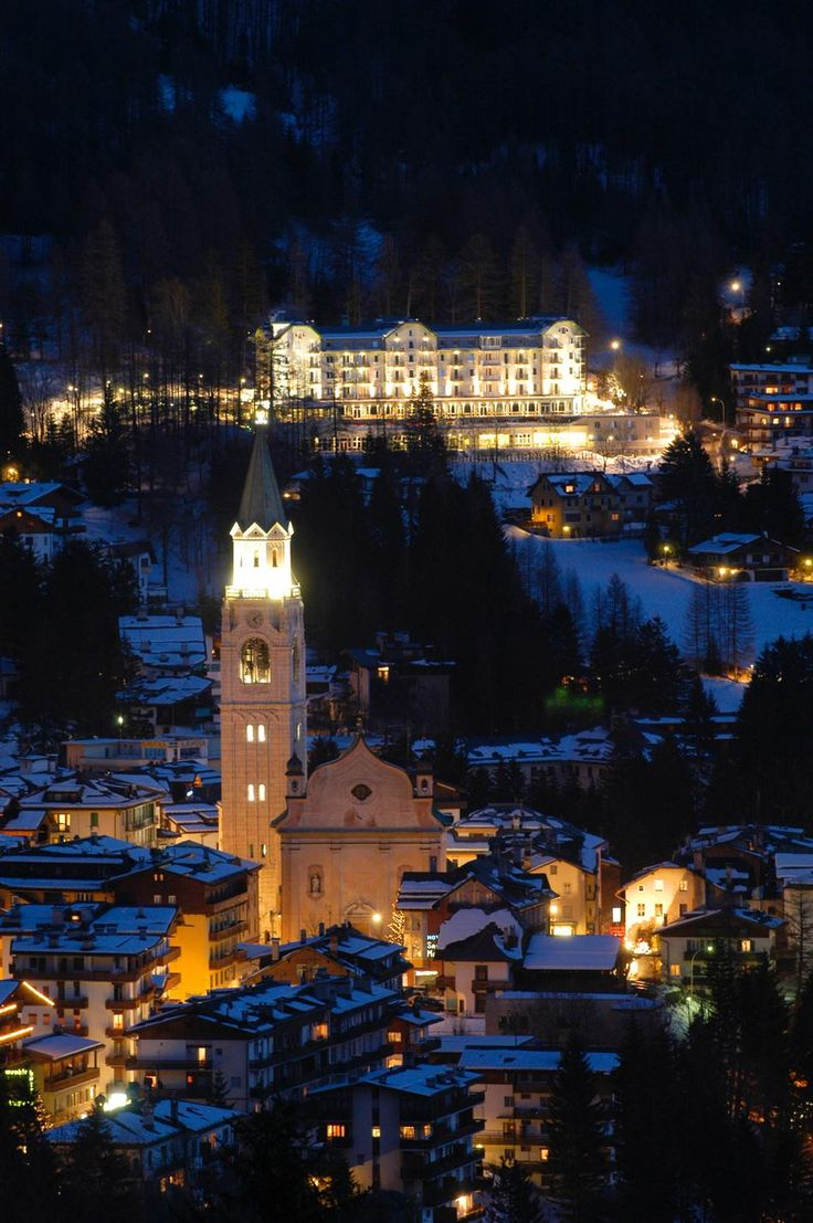 Cortina was by far one of the best cities I've ever visited. loved the vibe of the town! (cortina d'ampezzo, italy)