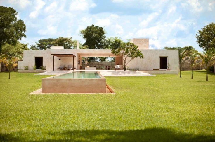 Big Home Design With Large Green Yard ~ http://lanewstalk.com/making-use-of-large-green-yard/