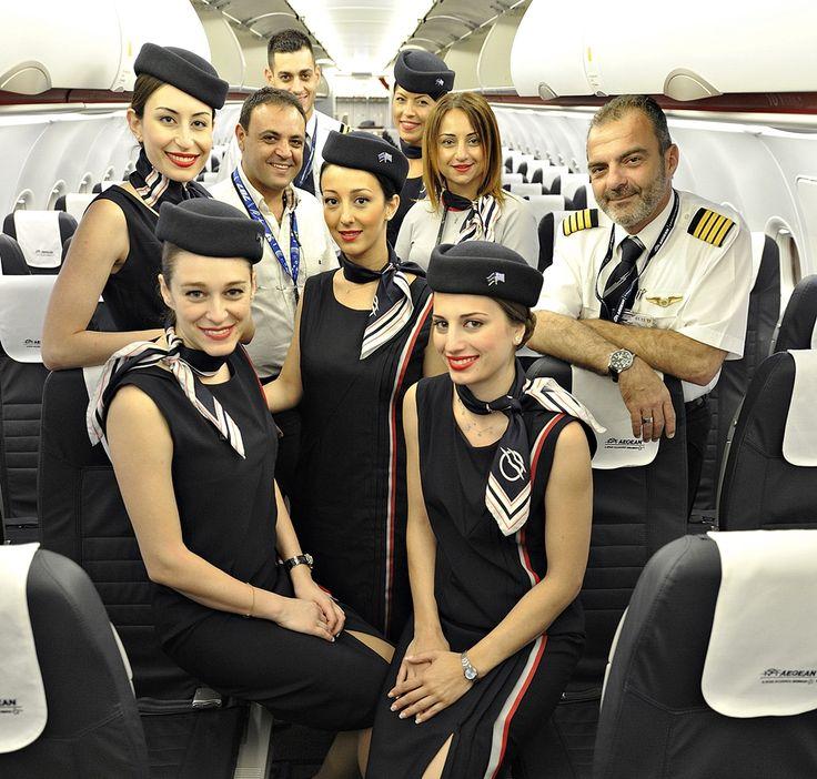 Σας παρουσιάζω το πλήρωμα της πρώτης πτήσης μας στην Πάφο της Κύπρου. Κυβερνήτης ο κύριος Φούντος Ιωάννης συγκυβερνήτης ο κύριος Λυδάκης Εμμανουήλ , πλήρωμα καμπίνας οι κυρίες Μηλιτσοπούλου Μαρία, Maria Ariadne Tsintiri, Elena Bauten, Δαλακούρα Γεωργία και Lourou Evgenia. Στην φωτογραφία μας επίσης διακρίνονται ο κύριος Diogenis Ioannou- LGS PFO Manager και η κυρία Eleni Christodoulou – Senior Supervisor A3. Τους Ευχαριστώ πολύ!