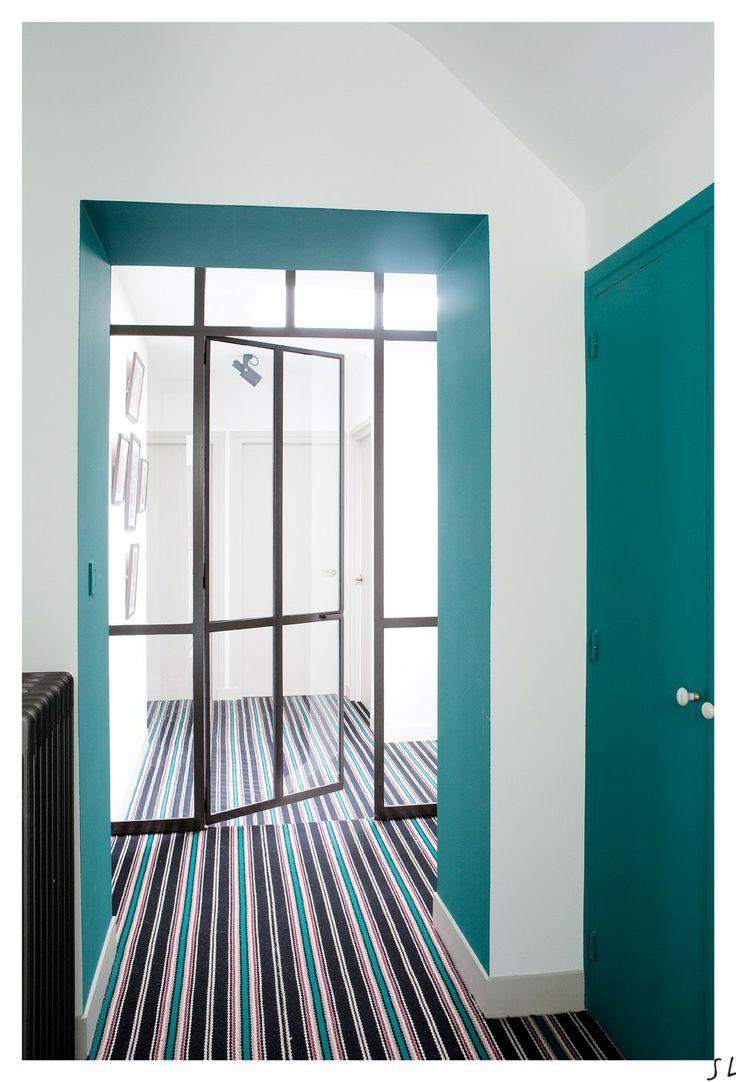 Salle de bain vert anis et bleu turquoise for Colonne salle de bain vert anis
