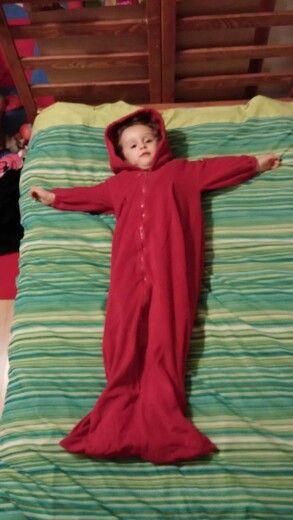 Kırmızı balık kız tulumu polar kumaştan diktim