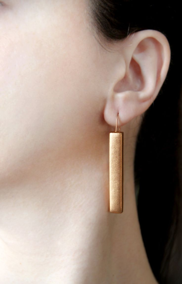 Cooper bar earrings, stick dangles, minimalist jewelry, copper minimalist earrings, cocktail earrings for her, minimal dangle and drop earrings in copper color. Also available in silver and gold. Handmade with LOVE! Size: 2.5 inch x 0.3 inch 6.4 cm x 0.8 cm For the Abstract jewelry section, please, click here: https://www.etsy.com/shop/GitasJewelryShop?ref=hdr_shop_menu§ion_id=17917036 Please, avoid spraying the jewelry with perfume, it may erode and ruin it