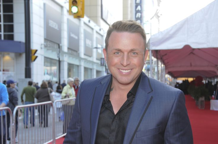 Johnny Reid on the Canada's Walk of Fame Red Carpet in 2012.
