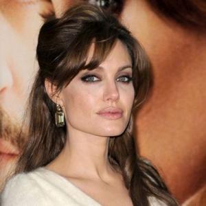 Angelina Jolie | Angelina Jolie Wins Hair Praise | Contactmusic.com