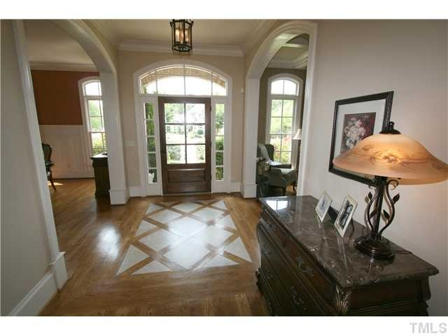 like the simplicity of the arched transom