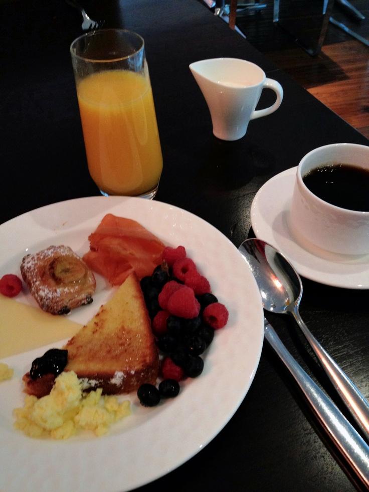 Breakfast at Toronto's Ritz Carlton
