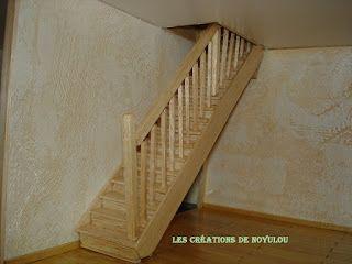LES CREATIONS DE NOYULOU: Ses playmobils ont enfin leur maison (escalier RDC...